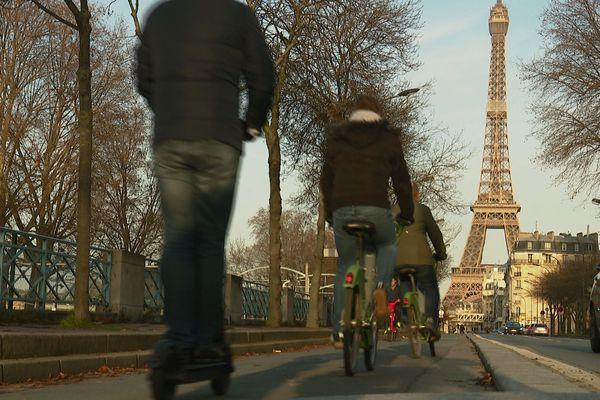 Le nombre de cyclistes a doublé à Paris depuis le début de la grève.
