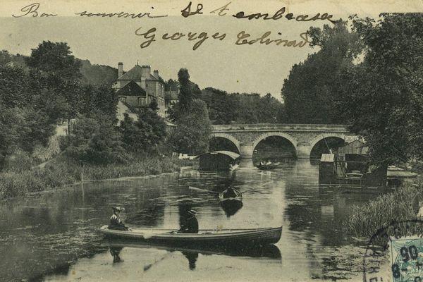 Carte postale de Villeneuve-Saint-Georges, paysage du pont d'Yerres
