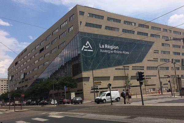 La Région Auvergne-Rhône-Alpes se dote d'un fonds souverain afin de protéger ses entreprises et industriels.