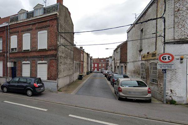 C'est au croisement de la rue Dampierre et de la rue Barbe Parent à Valenciennes dans le Nord que les faits se sont produits.
