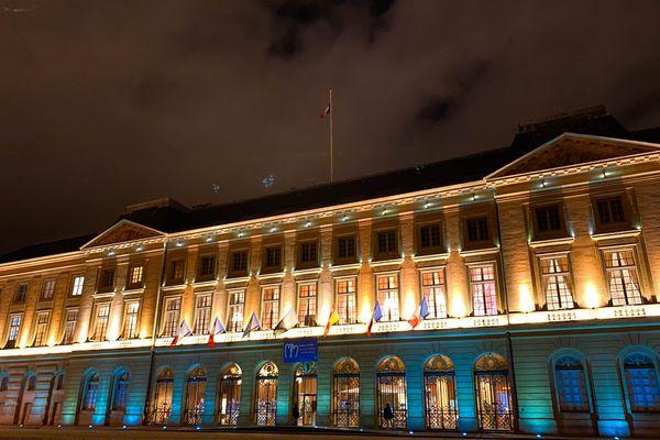 L'hôtel de ville de Metz illuminé en bleu pour soutenir l'UNICEF