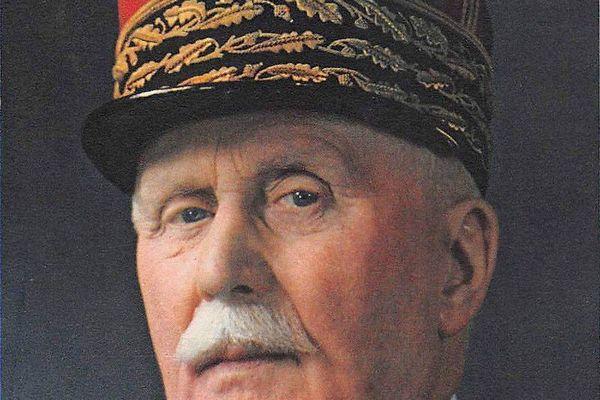 Le maréchal Philippe Pétain a obtenu les pleins pouvoirs par un vote de l'Assemblée Nationale le 10 juillet 1940