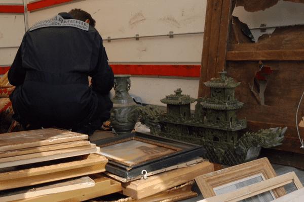 Des oeuvres d'art dérobées dans le château de Fussy ont été retrouvées à bord d'une camionnette mardi dernier en Seine-Saint-Denis.