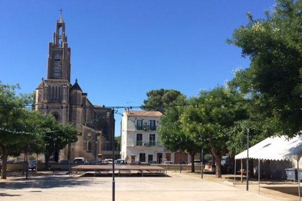 La place du village de Gigean dans l'Hérault n'est plus à la fête