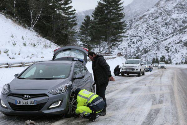 A compter du 1er novembre, les équipements spéciaux pour les véhicules empruntant les routes du Puy-de-Dôme seront obligatoires.