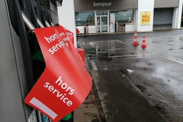 Une station-service fermée par manque de carburant à Cesson-Sévigné près de Rennes
