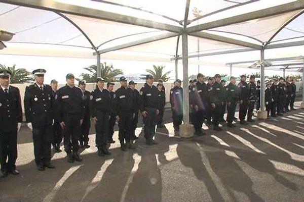 13/01/15 - Commissariat de Bastia (Haute-Corse), cérémonie en hommage aux trois policiers victimes des attentats de Charlie Hebdo