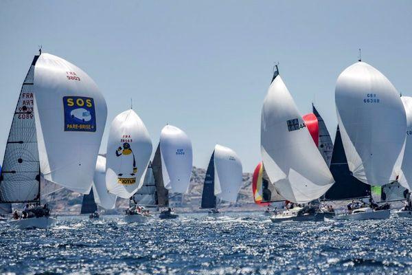 53 bateaux (France, Italie, Espagne, Grande-Bretagne) convoitaient ce titre qui récompense le meilleur équipage européen de voile en équipage.