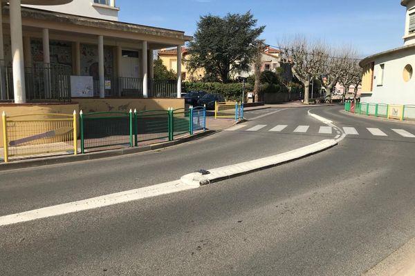 C'est entre la place Henri-Guitard et cette école primaire Marc-Chagall de Céret (Pyrénées-Orientales) que s'est déroulée la bagarre mortelle.