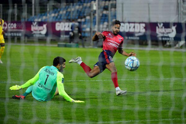 Les joueurs du Clermont Foot ont effectué une année exceptionnelle lors de la saison 2020/2021 et rêvent de Ligue 1.