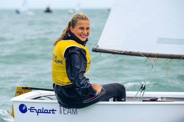 Lomane Valade, championne de France Minimes pour la troisième fois en Optimist