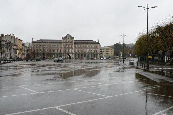 Mairie de Rive-de-Gier: Jean-Claude Charvin (divers droite) est à la tête de la ville depuis 1995