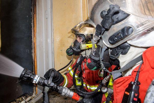 Les marins-pompiers ont rapidement maîtrisé l'incendie.