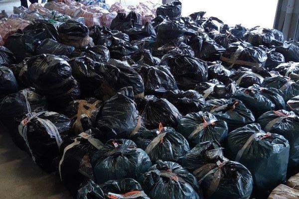 Le 14 mai dernier, 936 kg d'herbe et 554 kg de résine cannabis ont été saisis dans un camion en provenance d'Espagne circulant sur A10 aux environs de Poitiers.