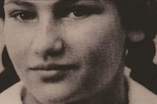 Portrait de Simone Veil, affiché au lycée Calmette de Nice, où elle fut élève, puis exclue sous le régime de Vichy, avant d'être déportée.