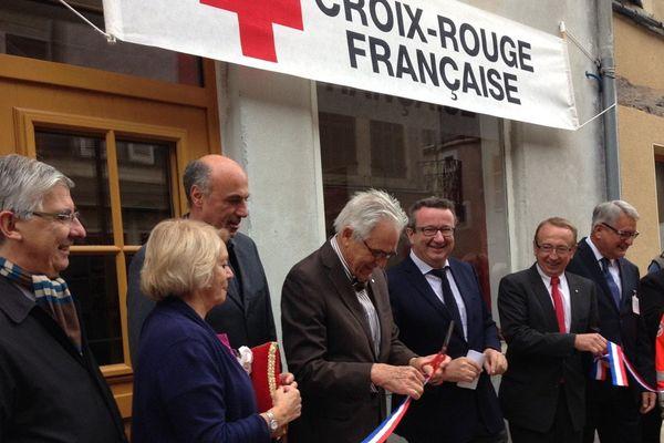 L'inauguration des nouveaux locaux de la Croix Rouge à Varzy a eu lieu ce lundi 5 octobre 2015.