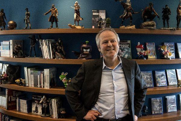Yves Guillemot dans son bureau, à Montreuil