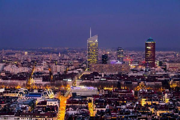 La métropole de Lyon figure dans le peloton de tête des villes qui expérimentent la 5G avec 22 antennes autorisées par l'ARCEP depuis le début 2018.