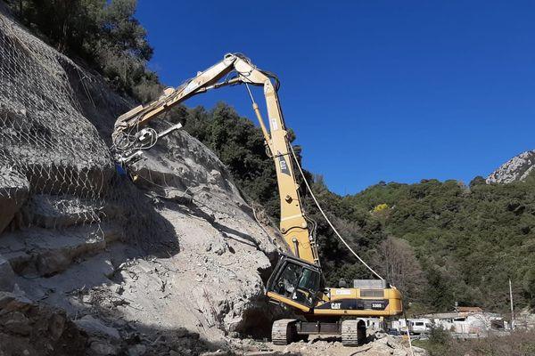 Dans les Alpes-Maritimes, les deux seuls chantiers maintenus par la préfecture ont été mis à l'arrêt sur décision des entreprises.