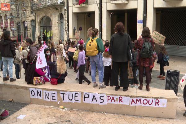 Les violences conjugales toujours dénoncées par les manifestantes dans le cortège bordelais en ce 8 mars 2021