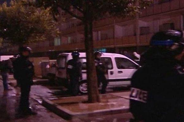 Opération de police au petit matin à la cité Fontvert