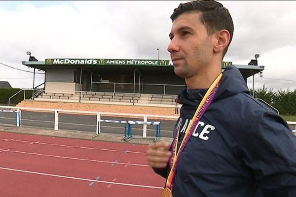 Après avoir battu le record d'Europe à Dubaï, Redouane Hennouni compte remporter les Jeux Paralympiques.