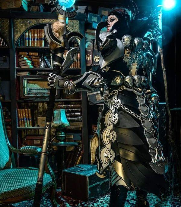 Cette armure inspirée du jeu Guild Wars 2 a permis à 'IGC fait des cosplays' d'être sélectionnée pour la finale de la Coupe de France de cosplay.
