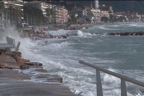 Gros dégâts le 28 octobre 2018 sur le littoral mentonnais, touché par la tempête Adrian.