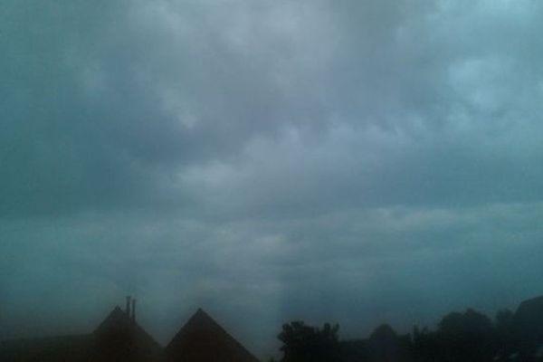 Une image du ciel ce matin, 26 juillet 2013, dans l'Avesnois.