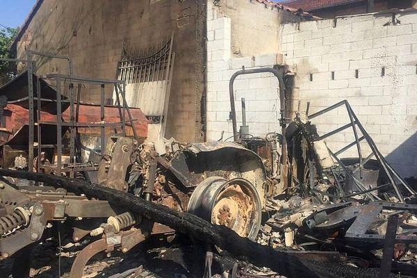 Montfrin (Gard) - une exploitation agricole dévastée le 28 juin par un incendie - 3 juillet 2019.