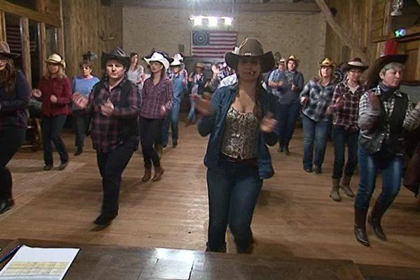 """Cours de danse country / Association """"la valise à cheval"""""""