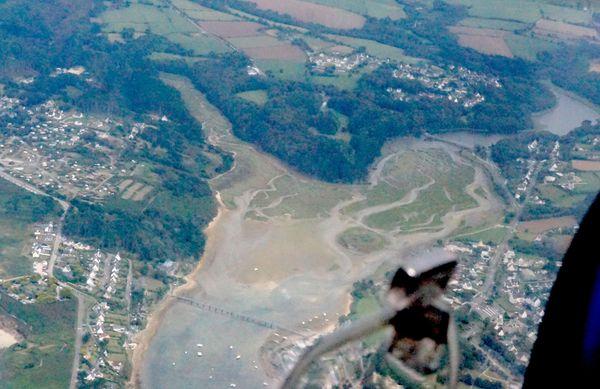 Vue aérienne du fond de la ria du Conquet et de l'étang de Kerjan
