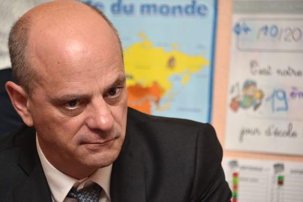 Jean-MIchel Blanquer propose aux écoles primaires de reprendre en premier