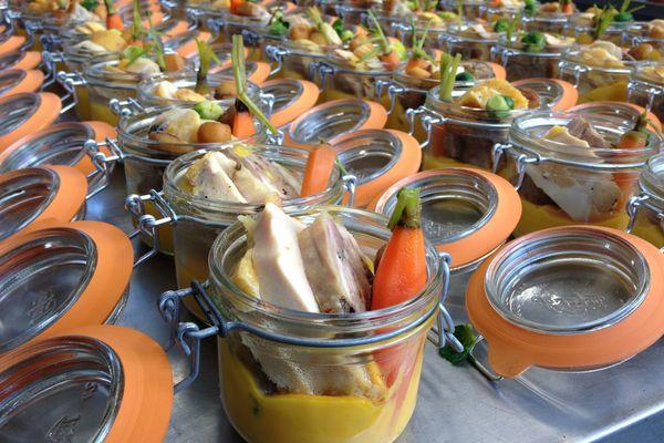 Suprême de chapon farci et sa sauce morille au vin jaune, chataîgnes et potimarron.