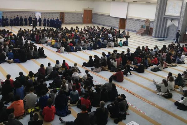 562 élèves à la mosquée pour écouter de la musique juive
