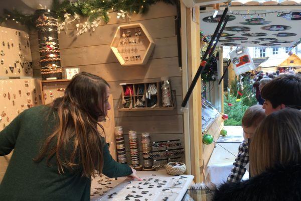 Pas facile de trouver des produits locaux au marché de Noël de Clermont-Ferrand.
