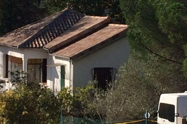 Bessèges (Gard) - les enquêteurs recueillent des indices dans la maison de la victime - 31 octobre 2017.
