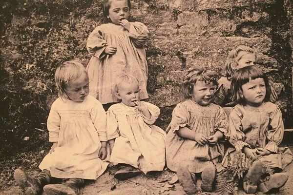 L'enfance vue par les Frères Géniaux et dont les photos sont présentés au Musée de Bretagne à Rennes