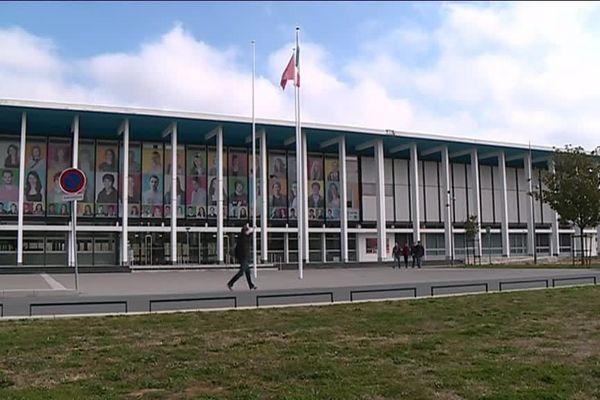 Toulouse est une ville universitaire qui attire de nombreux étudiants étrangers.