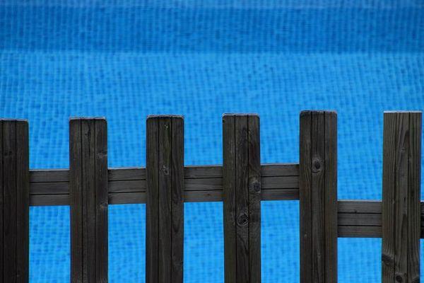 Clôtures, alarmes, couvertures... la sécurisation des piscines est obligatoire depuis janvier 2004 (photo d'illustration)