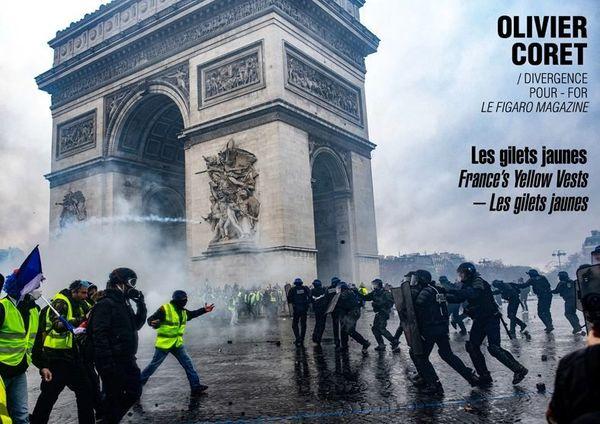 Les reportages sur les gilets jaunes témoignent à Visa pour l'Image 2019  d'une violence qui n'a pas épargné les journalistes.