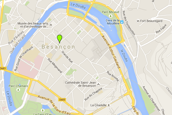 Le feu a pris au coeur du centre ville de Besançon