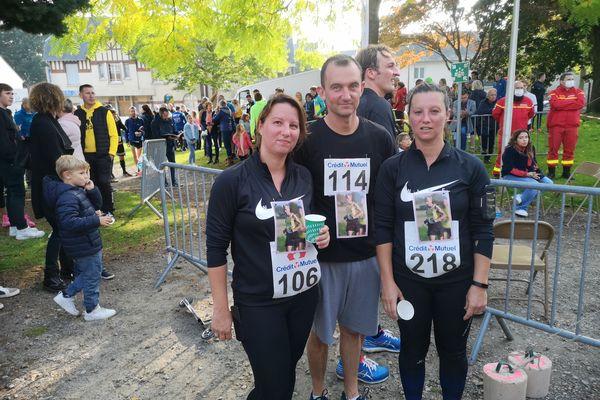 Sandrine, Jean-François et Christelle, les enfants de Patrick Leboucher, ont tenu à participer au trail de Lisieux, course à laquelle leur père devait participer.
