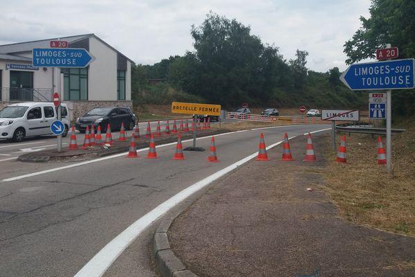 Des bretelles d'autoroute ont été fermées pour limiter la circulation à proximité de Limoges.