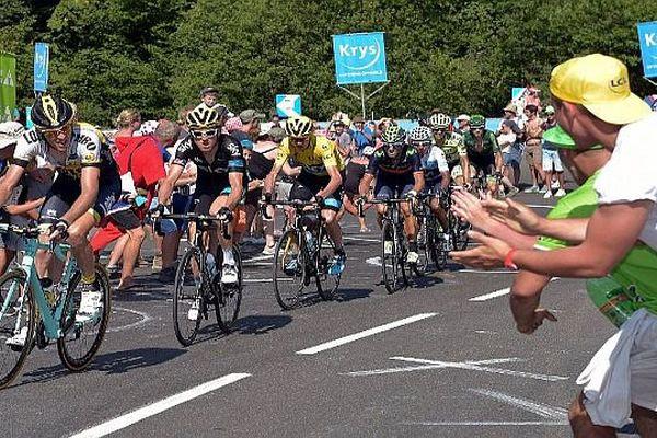 Les coureurs sur la route du Tour 2015.