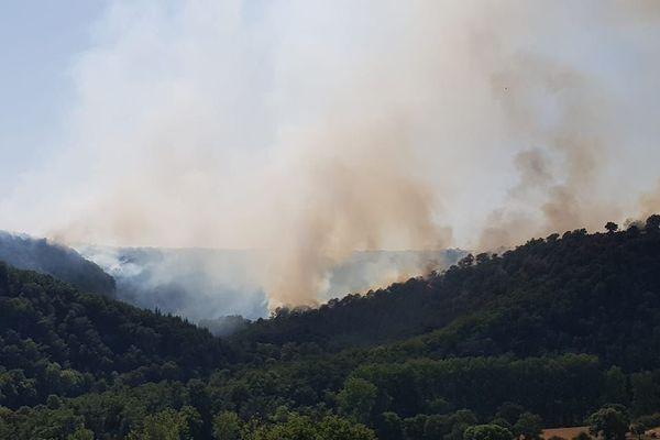 Le feu s'est déclaré sur la commune d'Olemps dans l'après-midi du 31 juillet.