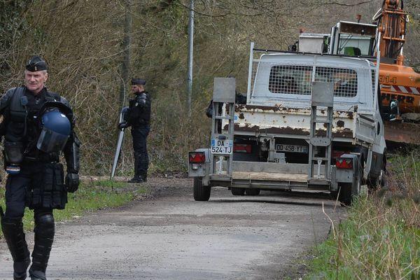 Une nouvelle opération de destructions de cabanes menées par les gendarmes sur la Zad à Notre-Dame-des-Landes, le 12 mars 2019