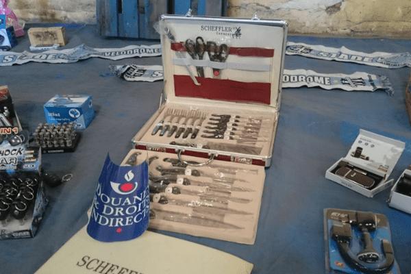 """Des couteaux """"Made in France"""" saisis et détruits par les douanes marseillaises"""