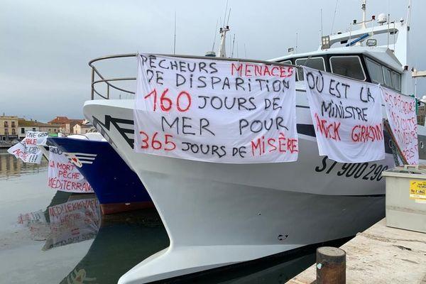 Les chalutiers du Golfe du Lion contestent le plan européen de gestion de la pêche en Méditerranée à Port-la-Nouvelle, 7 décembre 2020