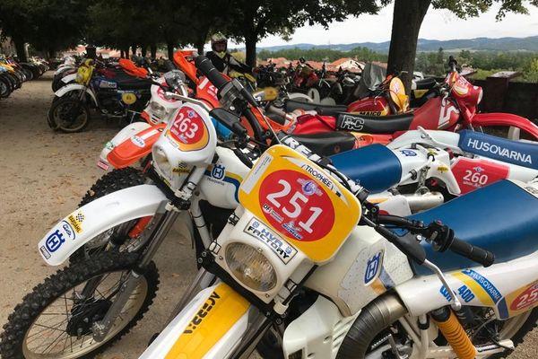 Cet évènement à Brioude, en Haute-Loire, permet de retrouver des motos d'époque et de les redécouvrir.